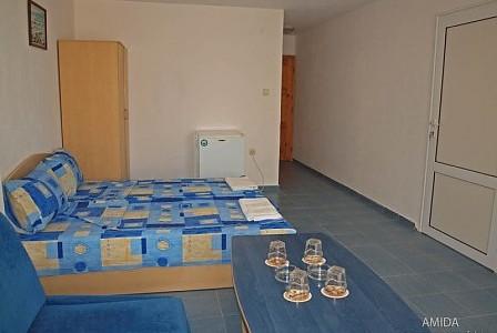 wczasy bułgaria - FAM46 pokój rodzinny (pokój dzienny- przechodni 2-4-os. + sypialnia 2-os.)
